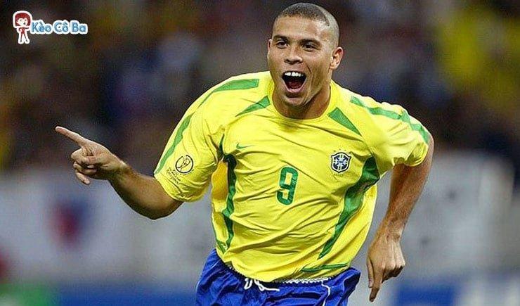 """Tiểu sử của Ronaldo """"Béo"""": Người ngoài hành tinh của Brazil"""